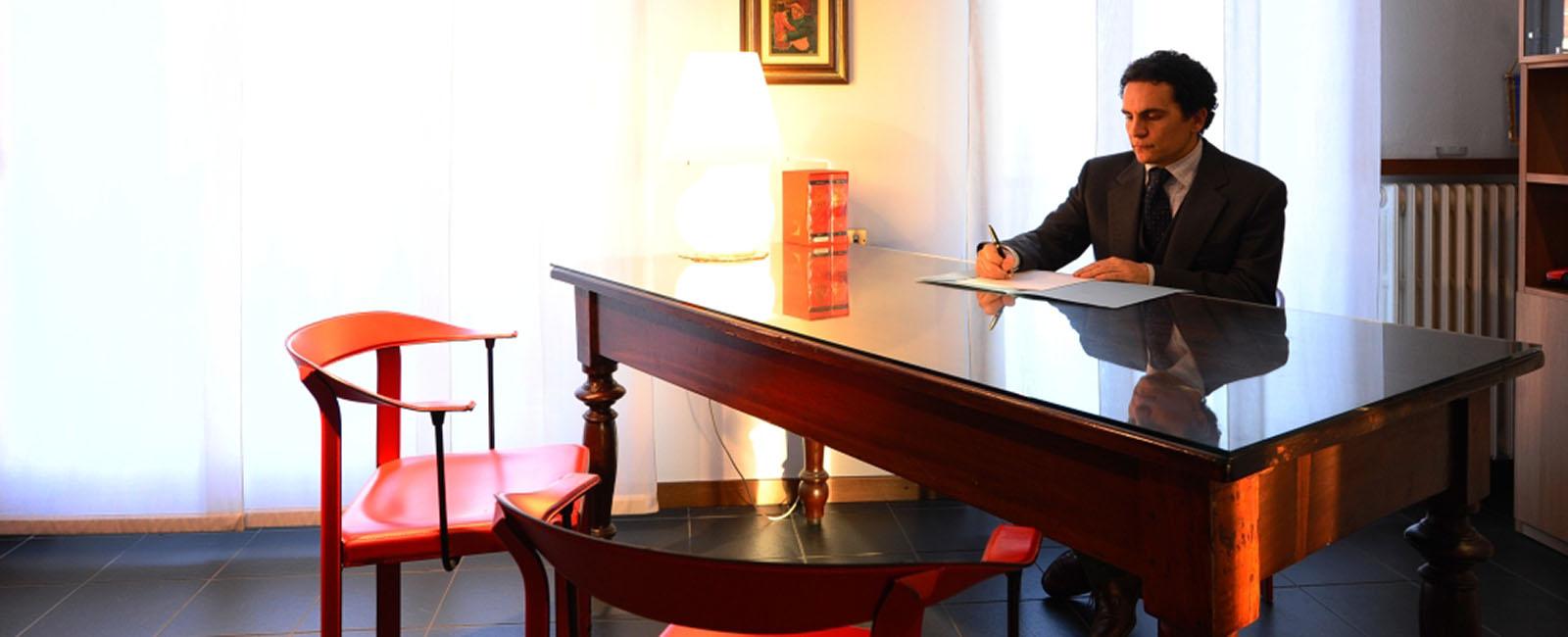 Avvocato Camparada - Contattaci per una consulenza